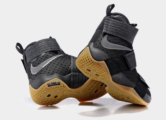 Фото Nike LeBron Soldier 10 Black Gum черные - 1